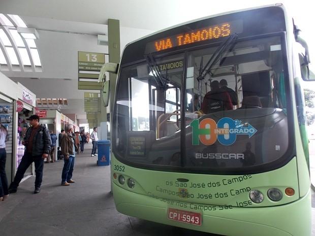 Ônibus São José dos Campos 2 (Foto: Daniel Corrá/G1)