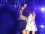 Fãs agarram Luan Santana durante gravação de DVD de Michel Teló