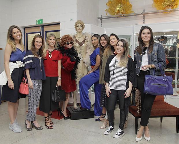 Tia Suelly se reúne com Valesca Popozuda e blogueiras para falar sobre moda (Foto: Globo/Fabiano Battaglin)