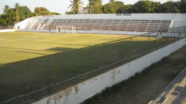 Calouros do Ar x Maguary pela 3ª Divisão do Campeonato Cearense de 2012 (Foto: Rafael Luís/Verminosos por Futebol)