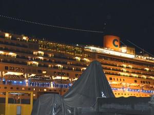 Navio estava ancorado no Recife, mas já seguiu viagem  (Foto: Divulgação / PF)