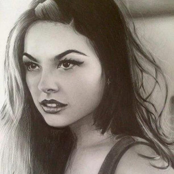 Isis Valverde posta foto de desenho do seu rosto (Foto: Instagram / Reprodução)