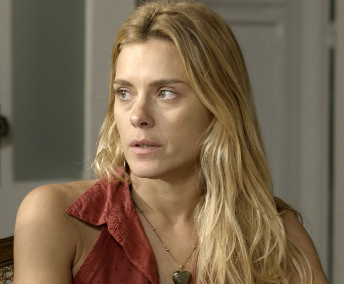 Lara ameaça entregar Orlando (Foto: TV Globo)