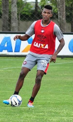 Douglas Coutinho, Atlético-PR (Foto: Divulgação/ Site oficial Atlético-PR)