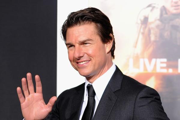 Tom Cruise mostra que não tem só o porte de herói: em 1996, quando viu uma mulher sendo atropelada, o ator correu para socorrê-la, esperou a ambulância pegá-la e ainda por cima pagou a conta do hospital! (Foto: Getty Images)