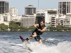 Vídeo exclusivo: Klebber Toledo dá show em sua primeira aula de wakeboard