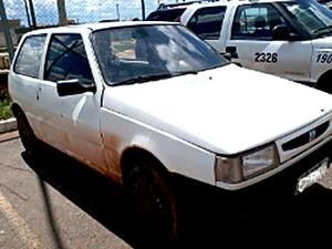 Carro que havia sido furtado por beneficiado de 'saidão' (Foto: Polícia Militar/Divulgação)
