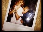 Rihanna aparece no colo de Chris Brown em nova foto de seu aniversário