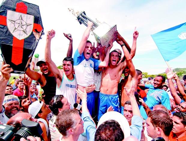 Vitória-ES 100 Anos: comemoração do título de campeão capixaba de 2006 (Foto: Gabriel Lordêllo/Cedoc/A Gazeta)