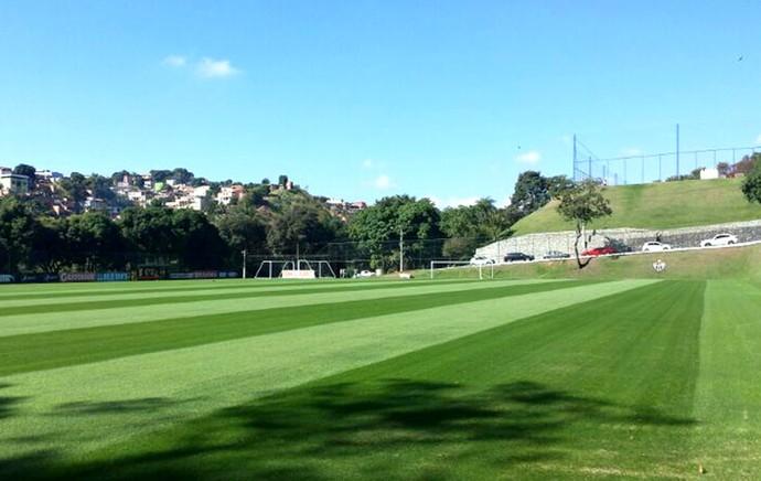 campo reformado CT Argentina gramado (Foto: Felippe Costa)