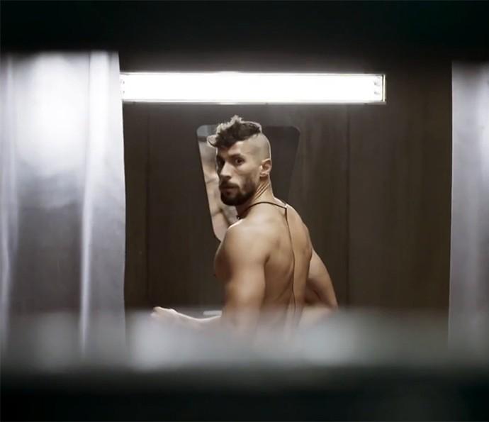 De dentro da cela, Luizão escutou choro misterioso (Foto: TV Globo)