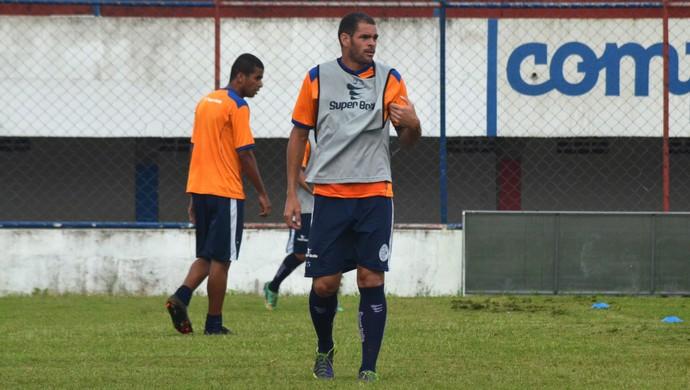 Wallace Pernambucano, meia-atacante do Confiança (Foto: João Áquila / GloboEsporte.com)
