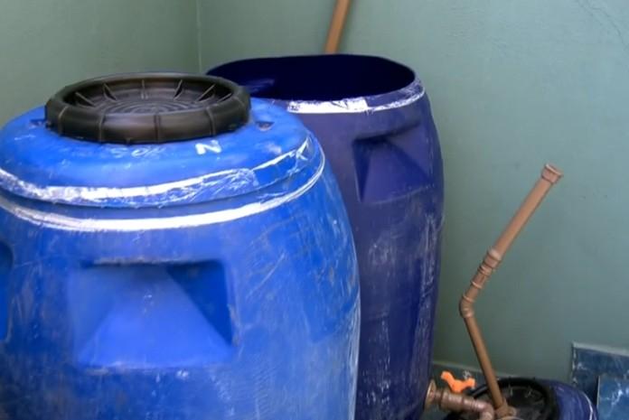 Jovem inventor cria sistema para captar e até filtrar água da chuva