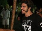 Caio Castro e Dany Bananinha se divertem em Trancoso