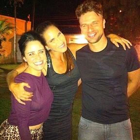 Fernanda Vasconcellos, Fabiana Sá e Cássio Reis em festa no Rio (Foto: Instagram/ Reprodução)