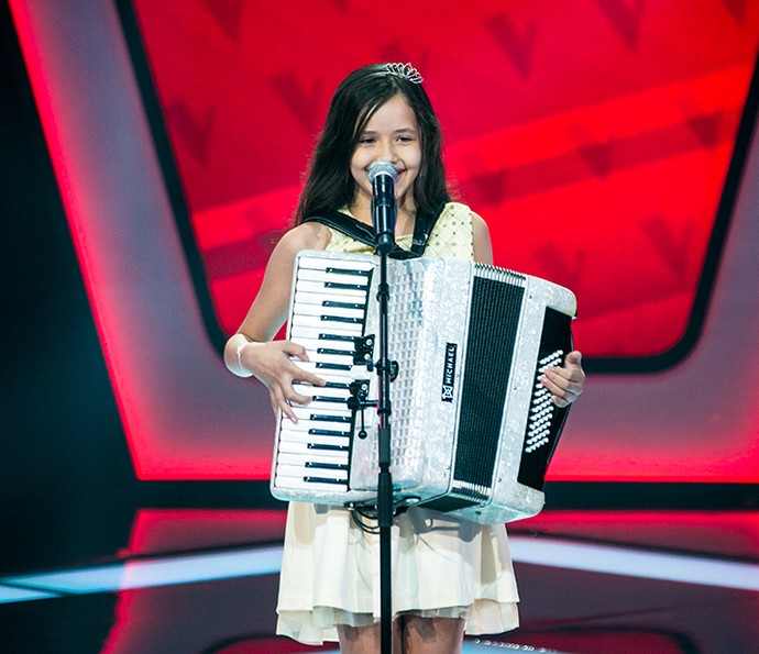 Laís Amaro canta 'Qui nem jiló' no palco do The Voice Kids (Foto: Isabella Pinheiro/Gshow)