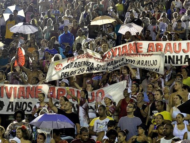 Homenagem para Viviane Araújo na Marquês de Sapucaí, no Centro do Rio (Foto: Roberto Teixeira/ EGO)