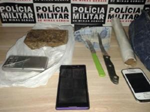 Suspeito de tráfico de droga são detidos em Araxá (Foto: PM/Divulgação)