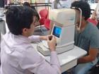 Oftalmologistas fazem exames gratuitos em shopping de Aracaju