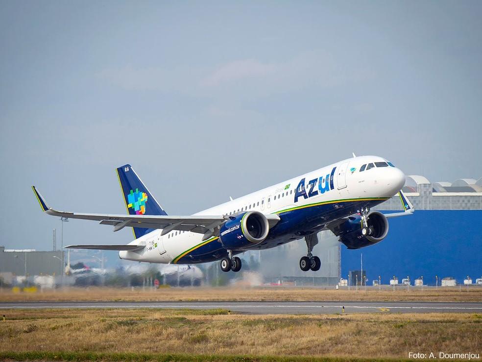 Azul iniciará a cobrança de taxa adicional para despacho de bagagem em voos promocionais em 1º de junho. (Foto: Divulgação)