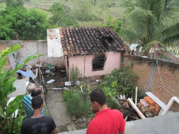 Idoso morre ao acender vela em casa na cidade de Pau Brasil, na Bahia (Foto: Ednaldo Pinto/Radar Notícias)
