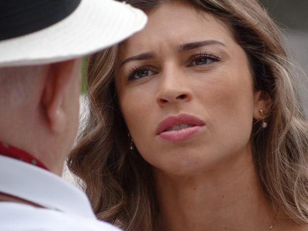 Ester fica chocada com a reação de Dionísio (Foto: Flor do Caribe/ TV Globo)