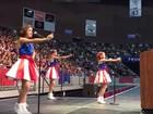 Autor de jingle cantado por garotas em evento de Trump quer processá-lo