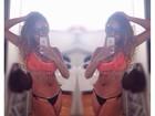 Giovanna, irmã de Gracyanne Barbosa, faz selfie de biquíni