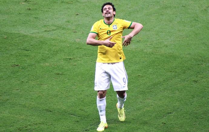 Fred comemora gol do Brasil contra Camarões (Foto: Thiago Lavinas)