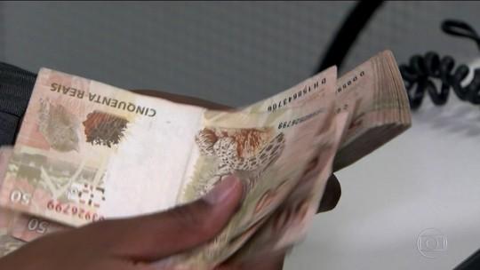 Governo estuda reduzir limite de saque em dinheiro vivo