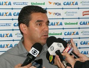 Marcelinho Paulista, gerente de futebol do Avaí (Foto: Alceu Atherino, divulgação / Avaí FC)