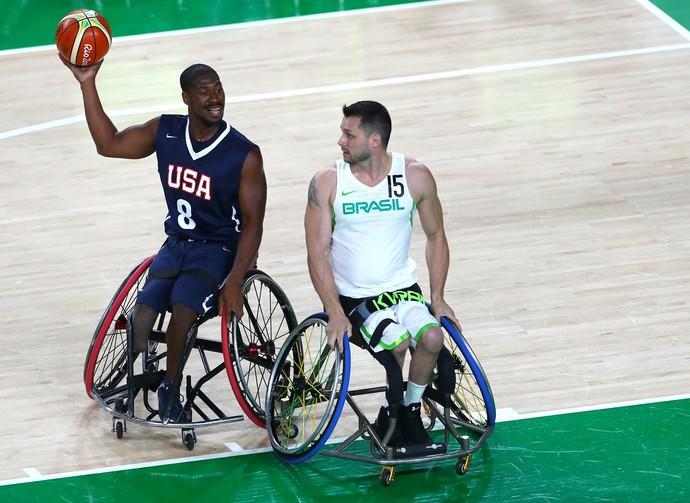 Brian Bell foi o nome do jogo entre Estados Unidos e Brasil (Foto: Getty Images)