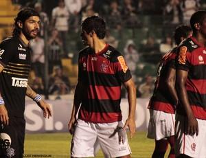 Loco Abreu, no Figueirense, contra o Flamengo (Foto: Luiz Henrique, divulgação / FFC)