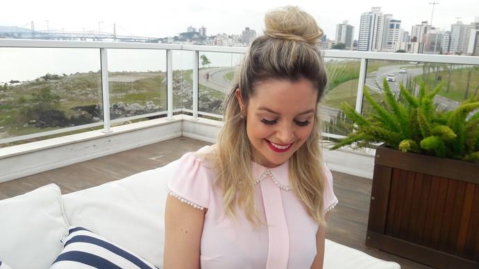 Aprenda a fazer penteados ideais para o verão com o Mistura  (Foto: Mistura/RBS TV)
