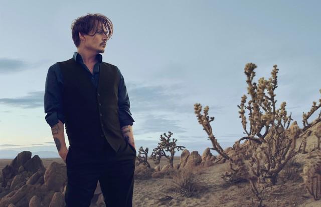 Johnny Depp + Dior (Foto: Divulgação)