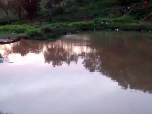 Lago seria usado pelos homens para desviar água para irrigação (Foto: Divulgação/ GCM Tatuí)