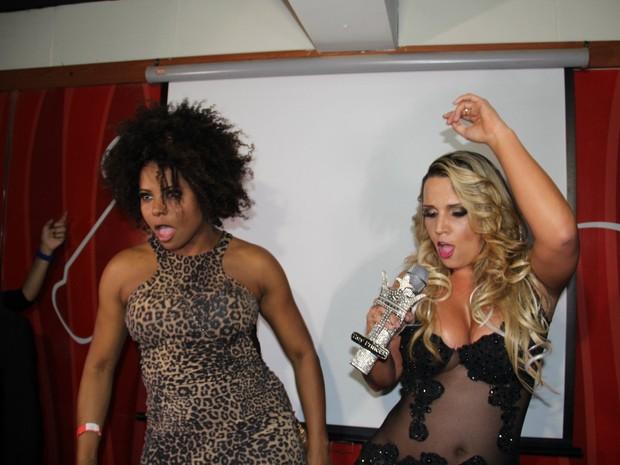 Adriana Bombom dança com Taty Princesa em evento no Rio (Foto: Divulgação)