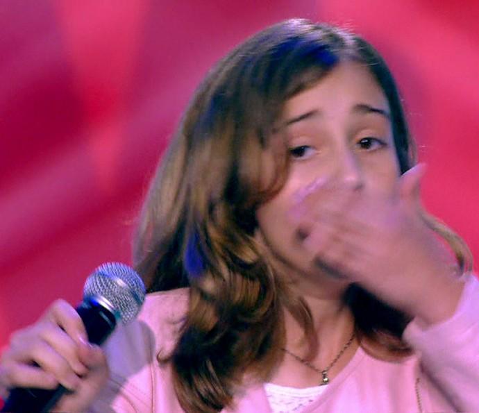 Luna Bandeira tomou um susto daqueles durante sua apresentação (Foto: TV Globo)