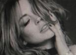 Lindsay Lohan protesta contra #Brexit; Liz Hurley dorme tranquila