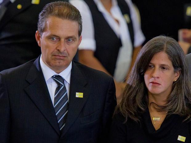 Eduardo Campos, e sua mulher Renata, durante funeral do ex-vice presidente José Alencar no Palácio do Planalto, em Brasília, em março de 2011 (Foto: Dorivan Marinho/Folhapress/Arquivo)