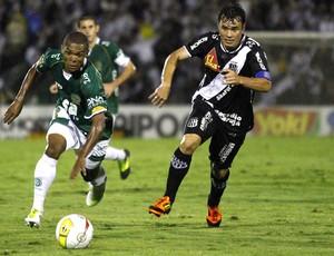 Lance do jogo entre Guarani e Ponte Preta (Foto: Gustavo Tilio/ Globoesporte.com)