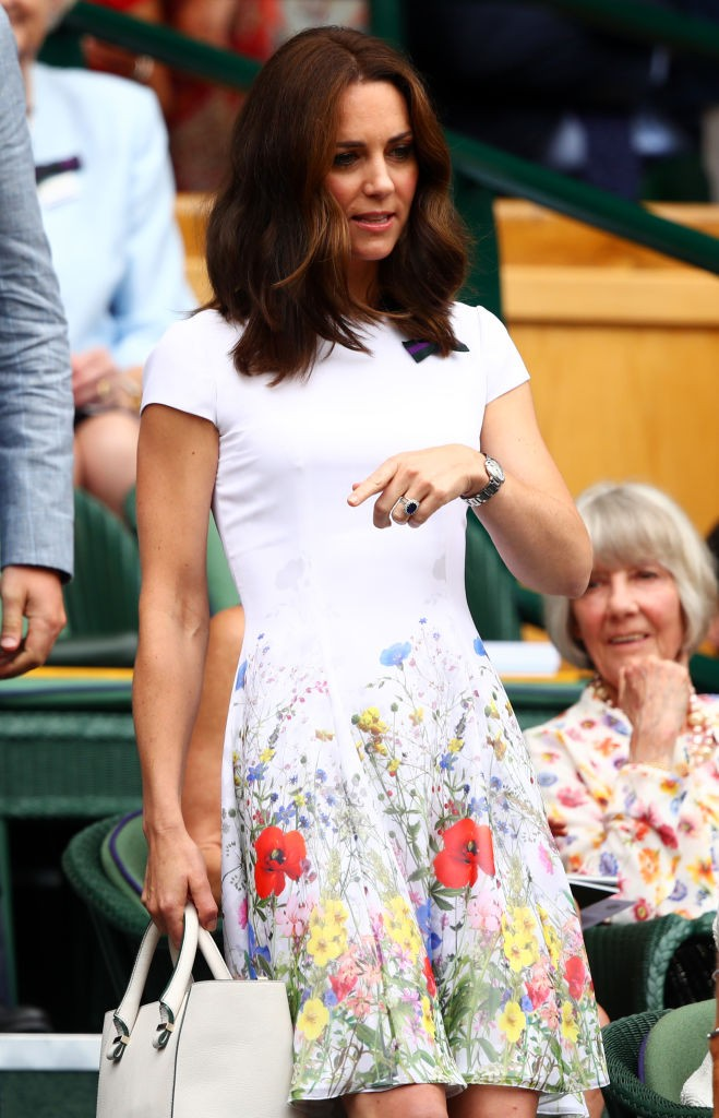 Fortes emoções: Kate Middleton assiste à final de Wimbledon (Foto: Getty Images)