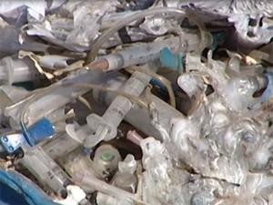 Lixo é descartado a céu aberto (Foto: Reprodução/TV Integração)