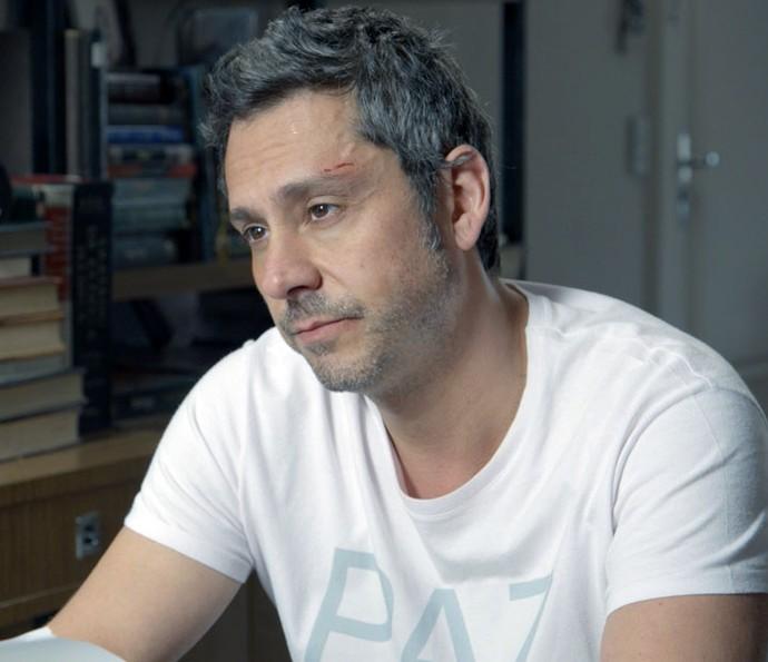 Romero descobre informações para a facção (Foto: TV Globo)
