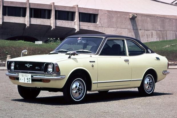 Segunda geração foi a primeira a ter um cupê esportivo, o Corolla Levin (Foto: Divulgação)
