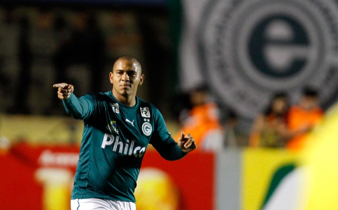 Walter gol Goiás x Vasco (Foto: Carlos Costa / Ag. Estado)