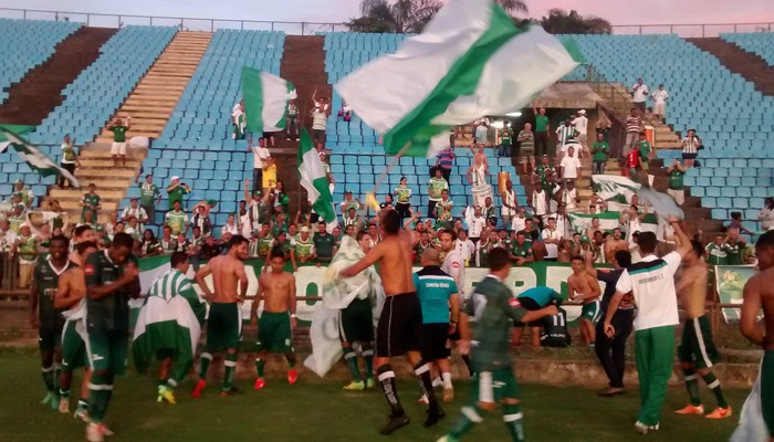 Uberlândia venceu por 2 a 0 e conseguiu o acesso para Modúlo I, fora de casa (Foto: Patrícia Belo / Globoesporte.com)