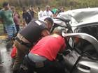 Duas pessoas ficam feridas após colisão com caminhão na BR-116