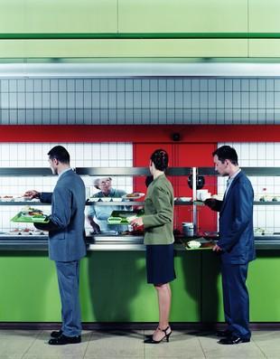 euatleta coluna cris restaurante a quilo (Foto: Getty Images)