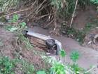 Adolescente morre após ficar presa em carro levado por enchente em MG